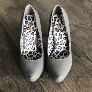 Forever 21 Woman's pumps